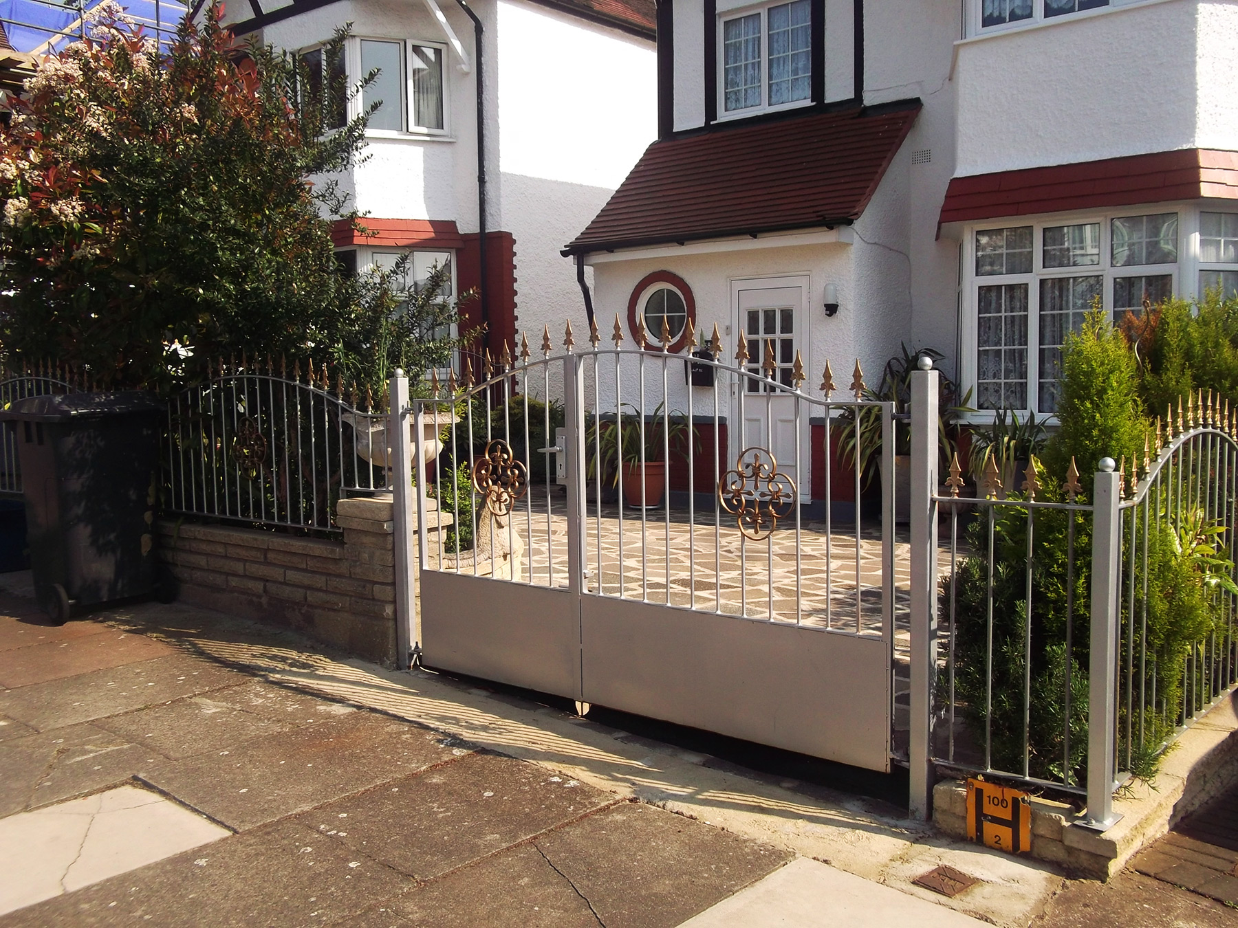 Gates And Railings London Lingfield Surrey Ds Metalworks